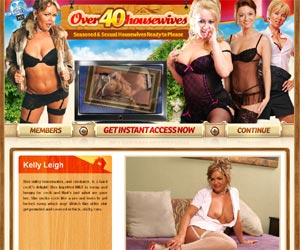 Over 40 Housewives - Seasoned And Sexual Housewives Ready to Please